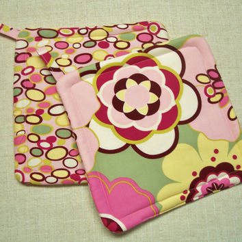 Big Pink Flowers, Insulated Pot Holders, Set of 2, Hot Pads, Trivets, Kitchen, Floral, Yellow, Green