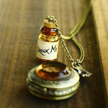Fantastic Alice In Wonderland DRINK ME Pocket WATCH LONG Necklace NEW HOT SALE (Color: Bronze) [9221423428]