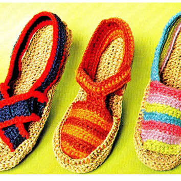 CROCHET PATTERN Vintage 70s Crochet Sandals - Vintage pdf Pattern - Cozy slip on Slippers - INSTANT download pdf slippers beach shoes