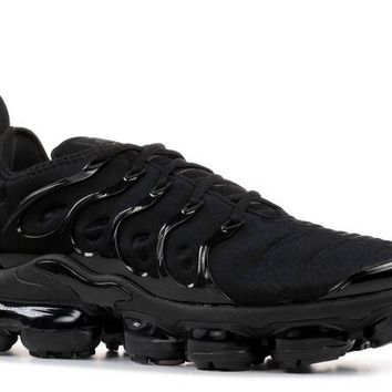 DCCK NIKE AIR VAPORMAX PLUS