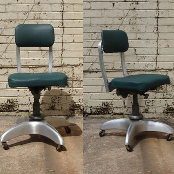 Mid Century Good Form Dark Green Swivel Aluminum Lab Chair, Sixties Office Chair, Industrial Seating