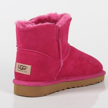 UGG 2018 winter new plus velvet warm female models wild anti-skiing boots