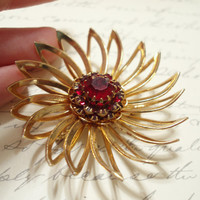 Sarah Coventry Gold Flower Brooch With Ruby Rinestones