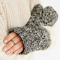 Fleece-Lined Crochet Fingerless Glove- Black