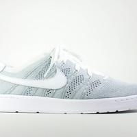Nike Men's Tennis Classic Ultra Flyknit Wolf Grey White