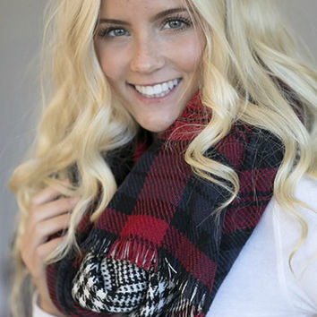 Double Sided Blanket Scarf - Red and Black