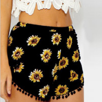 Small Ball Side Sunflower Printed Elastic Waist Beach Shorts B0015258
