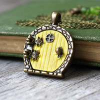 Samwise Gamgee the Brave - Hobbit Door Locket Necklace - Lord of the Rings Inspired Jewelry