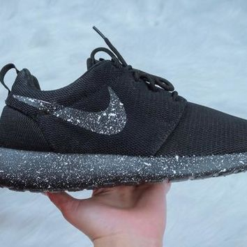 CLEARANCE - Nike Roshe One + Speckled Paint - Pearl White