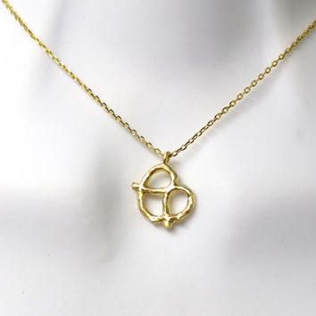 Pretzel, necklace, gold, silver, pretzel, simple, necklace, small pendant, cute, gift, idea, birthday, best friend, sister, gift, jewelry