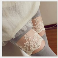 Black Leggings with Lace Pattern [316]