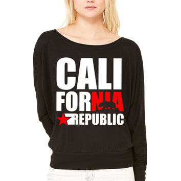 CALIFORNIA REPUBLIC WOMEN'S FLOWY LONG SLEEVE OFF SHOULDER TEE