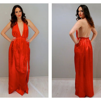 Low neck maxi dress, red maxi dress, red dress, dress with slit, bridesmaids dress, beach wedding dress, prom dress, sexy dress.