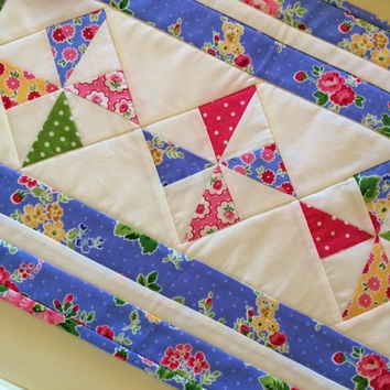 Pinwheel Quilted Table Runner, Quilted Table Topper, Cottage Chic, Flowers, Periwinkle Blue