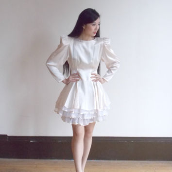flare dress / tulle dress / layered dress / off white dress