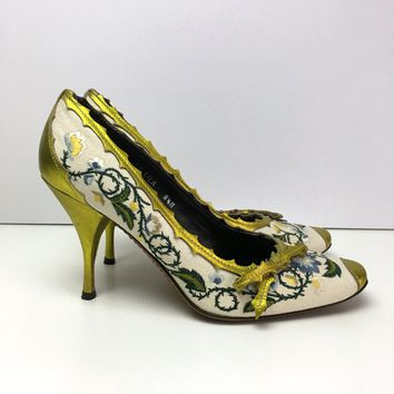 Donald J Pliner Couture women's embroidered pumps sz 8 ½