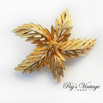 Vintage CORO Gold Tone Star Flower/Leaf Brooch/Pin
