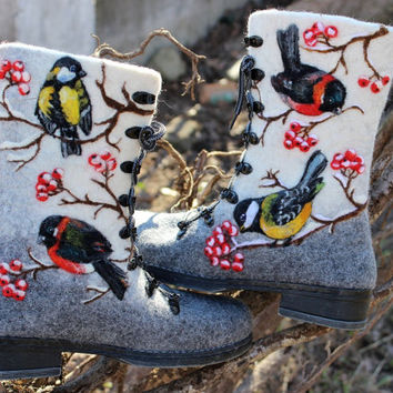 Woman Winter Felt Boots, 100% wool, valenki, shoes, boho, bullfinch, rowan, titmouse
