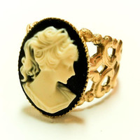 Vintage Victorian Cameo Ring