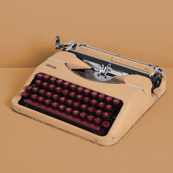 Rare 1950 Montana Luxe Typewriter. Restored. Camel and burgundy. Portable. With Case. Hermes baby.