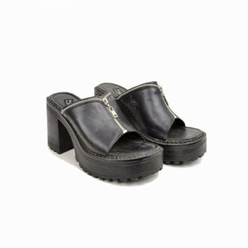 sale!! 60% off - Vintage 90s Black Platform Zipper Sandals / Grunge Sandals - women's 8