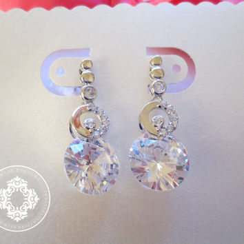 Elegant Bridal Earrings made with cubic Zirconia Crystal, wedding Earrings, bridal Earrings, weddings