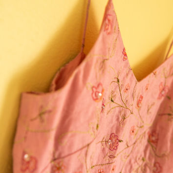 Spring Pink Top With Lovely Stitching, Dainty Floral Pattern, Fully Lined, Well Made (Ann Taylor)