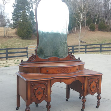 Beautiful Vintage Antique Vaniety with Mirror/Dressing Table from the 1920's/Dresser/Furniture/ Painted is Additional Cost