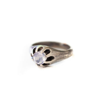 Vintage-inspired Moonstone Ring, shooting star comet antique sterling silver faceted moonstone retro setting claw statement ring pink purple