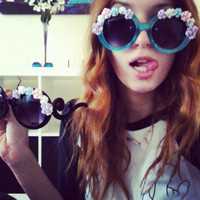 Celebrity Dani & Bella Thorne Swirl Flower Sunglasses 8852