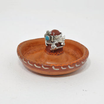 Sombrero Ring Holder • Vintage Mexican Pottery Ring Organizer • Ring Dish • Ring Display • Sombrero Shaped Tray • Mexico Terracotta
