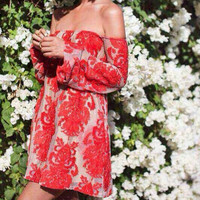 2016 Sexy Off the Shoulder strapless dresses Women long Flare sleeve Embroidery Lace dress White Red Club Party Dresses