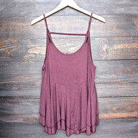 uneven hem acid wash open back women's tank - burgundy