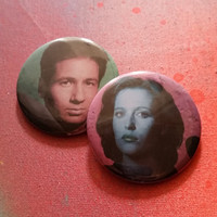 retro style X Files Mulder Scully pin 2-1/4inch pinback button hand pressed badges buttons