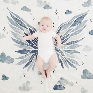 Muslin Baby Swaddle Cotton Gauze Newborn Blankets Baby Bedding Sheet Crown /Wing Newborn Photography Props Breathable Baby Wrap