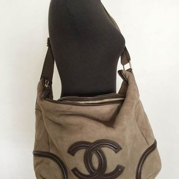 AUTHENTIC VINTAGE CHANEL SHEARLING MESSANGER BAG IN BROWN