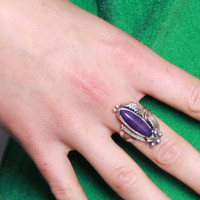 STERLING Silver Sugilite RING / Deep Purple Stone & Etched Feather Signed Navajo Ring, SZ