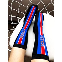 GUCCI 2019 counter new female models cotton breathable vertical strip letters straight socks Blue