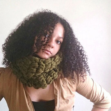Crochet cowl,  Green chunky scarf - Cilantro Bubble  Cowl, Wool scarf, Textured cowl