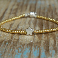 Tiny Delicate Gold & Single Silver Star Friendship Bracelet