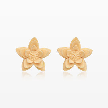 A Pair of White Starburst Flower Handcarved Wood Earring Stud