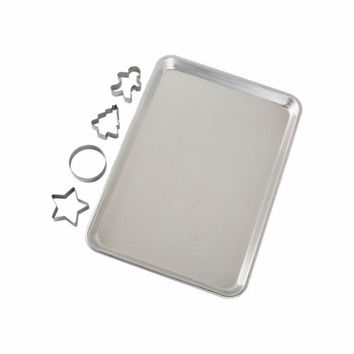 NEW Nordic Ware Baking Sheet 5 Piece Set with 4 Cookie Cutters 15x10x1