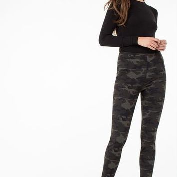 Liverpool Reese Legging in Olive Camo