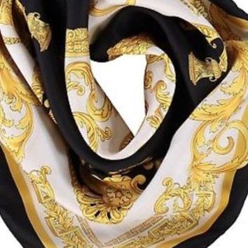 DCCKWA2 BNWT Beautiful Authentic VERSACE Black and Gold Silk Scarf RRP £280