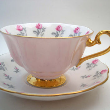 Royal Albert Tea Cup and Saucer, Pink and Gold  tea cup and saucer set, Fine English Bone China.