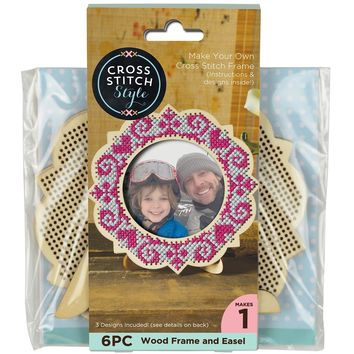 "Wood Frame W/Easel Punched For Cross Stitch-4.75"" Round"
