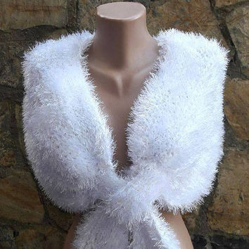 Wedding Shawl Faux Fur Bridal Shawl Bridesmaid Shawl Anniversary Shawl Wedding Cape  Accessories Elegant Shoulder Wrap Gift Ideas