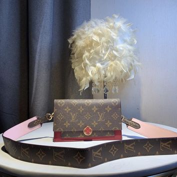 Kuyou Gb59812 Lv Louis Vuitton Monogram Two-tone Leather Flore Chain Wallet Red Cross Body Wallet 19.5*13*4cm
