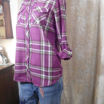 Size Medium Womens Vintage Purple Green n Yellow Snap Western Shirt boho hippie southwest style clothes roll up sleeves