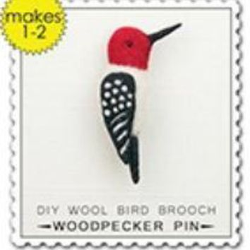 Woolpets Woodpecker Brooch Pin Wool Needle Felting Craft Kit